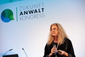 Everything 4.0 - Künstliche Intelligenz auf dem Vormarsch war das Thema von Prof. Dr. Sabina Jeschke